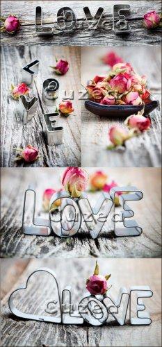 Розовые розы и надписи любовь- растровый клипарт