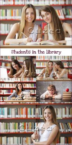 Студенты в библиотеке - растровый клипарт