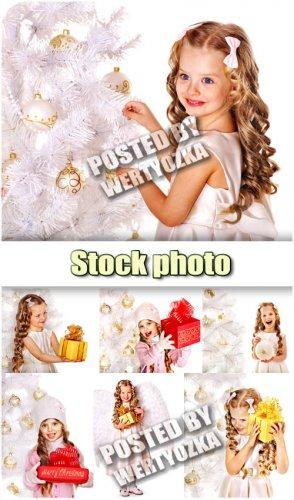 Девочка с подарками, новогодняя елка / Girl with gifts, christmas tree - st ...