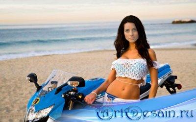 PSD шаблон для девушек - Девушка на пляже с мотоциклом